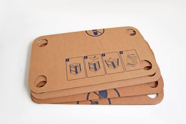 Детский столик из картона