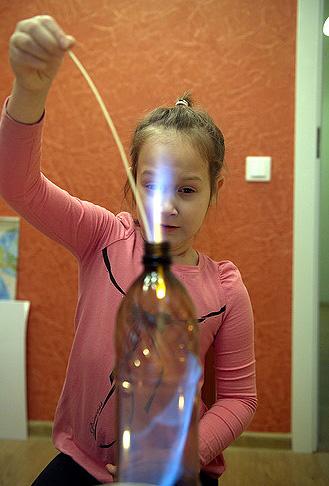 Домашний кружок: огонь в бутылке