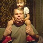 Папа с дочкой. (Вылитый батя!)