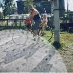 На велосипеде — вместе. (Всей семьёй)