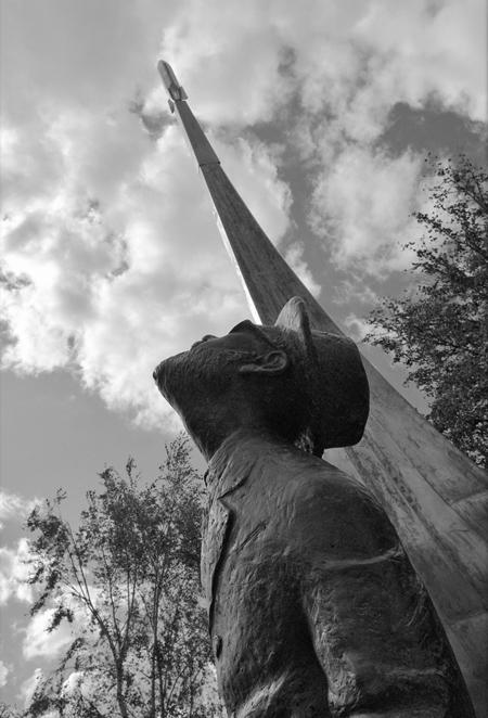Памятник К.Э.Циолковскому. photosight.ru. Фото: Евгений Вербин