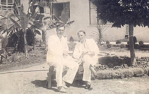 С. Л. Грозный с товарищем на отдыхе