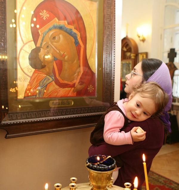Елизавета Пархоменко с дочкой