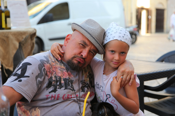 Сергей Трофимов с дочкой Лизой