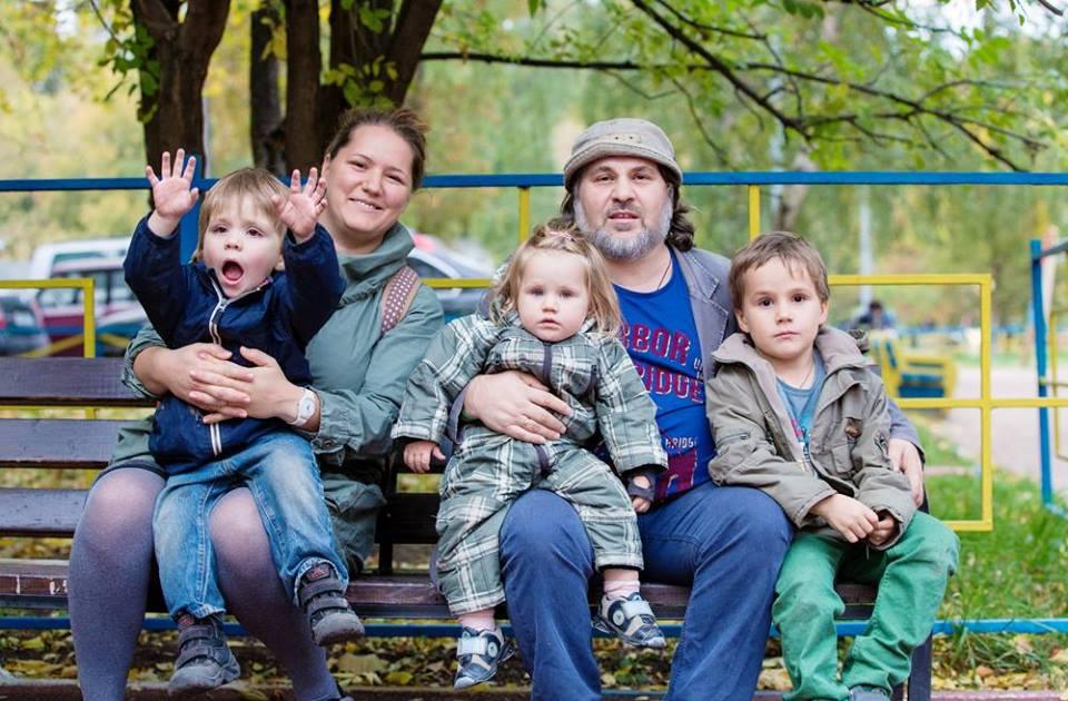 Александр Гезалов с женой Анной, сыновьями Федором и Тихоном и дочерью Грушей