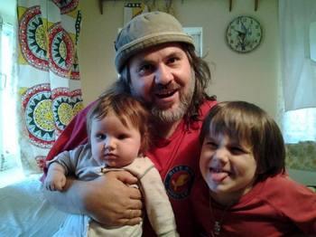 Александр Гезалов с детьми